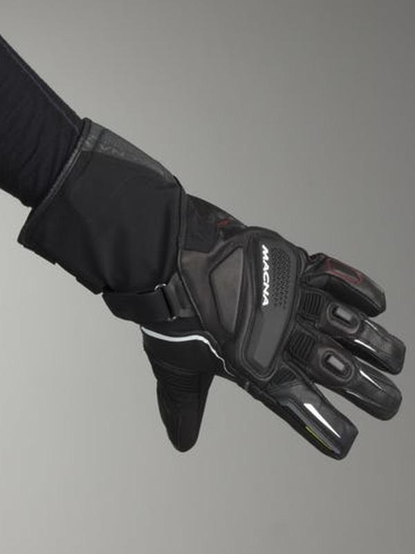 Macna Handschoen  Fugitivity Zwart